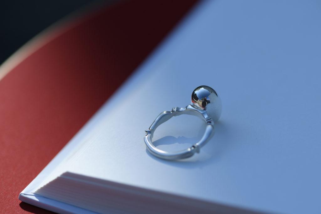 卵をモチーフにしたSILVER925仕様の指輪