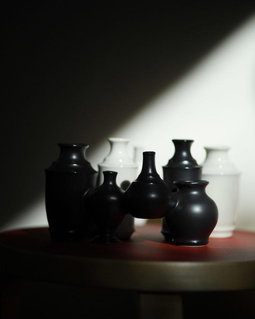 半磁器を使用した花瓶(マットブラック)