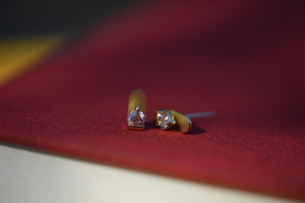 Wall setting diamond earrings / ウォールセッティング ダイヤモンド イヤリング ピアス