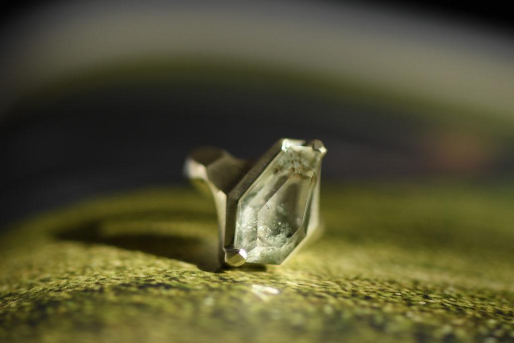 ガーデンクォーツを留めたSILVER925仕様の指輪