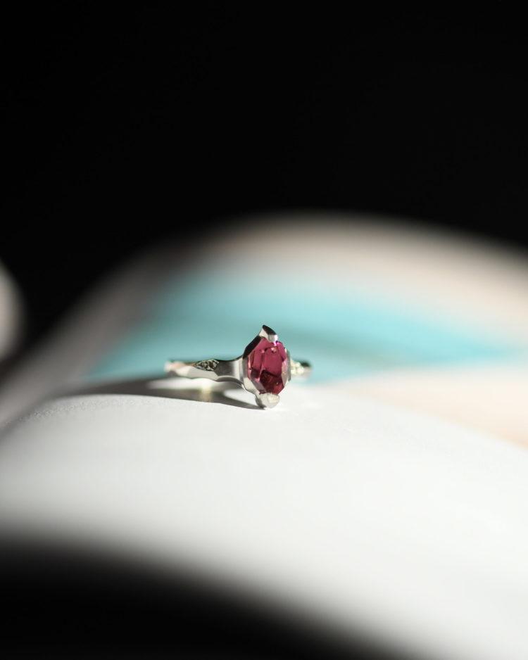 Pt900 Pink Tourmaline Ring / プラチナ900にピンクトルマリンを留めた指輪
