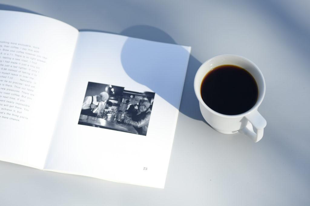 白磁素材のマグカップ