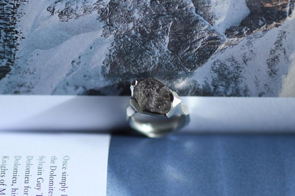 Garden quartz Ring / ガーデンクォーツを留めた指輪