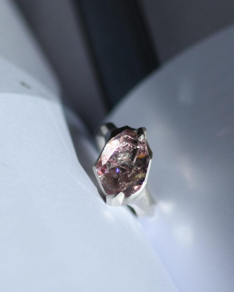 Pink Tourmaline Ring / ピンクトルマリンを留めた指輪