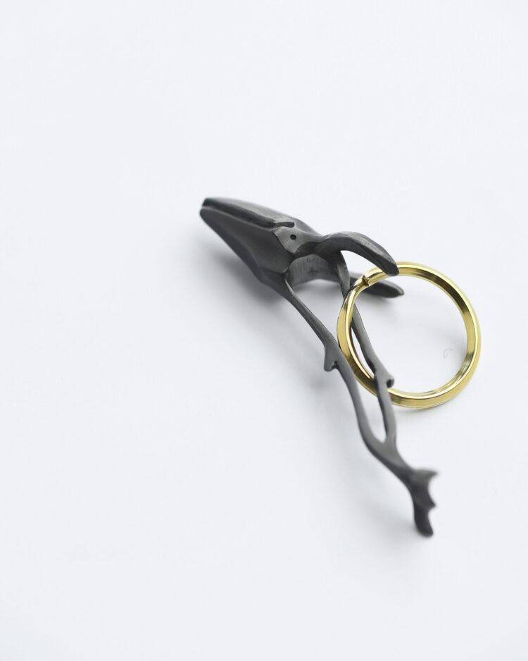 whale keyring black